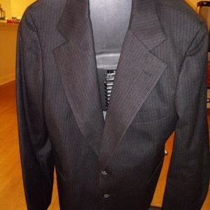 Vtg Wool and Silk Quality Suitcoat Moe Serchuck